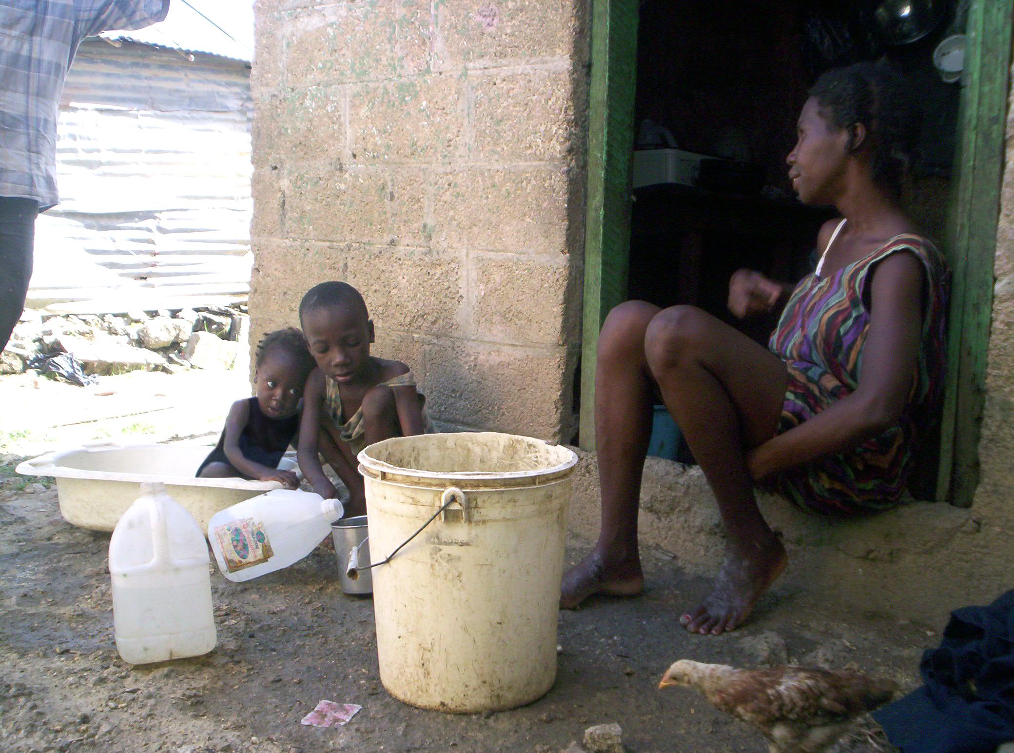 Pobreza infantil en América Latina - Niños empobrecidos en República Dominicana