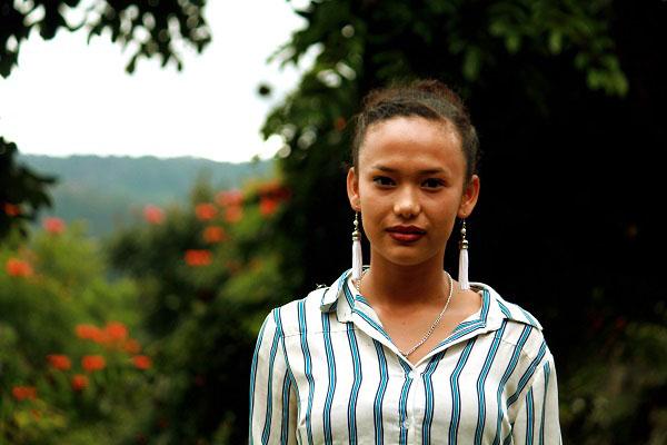 Pláticas entre chicas en los grupos juveniles comunitarios de NPH